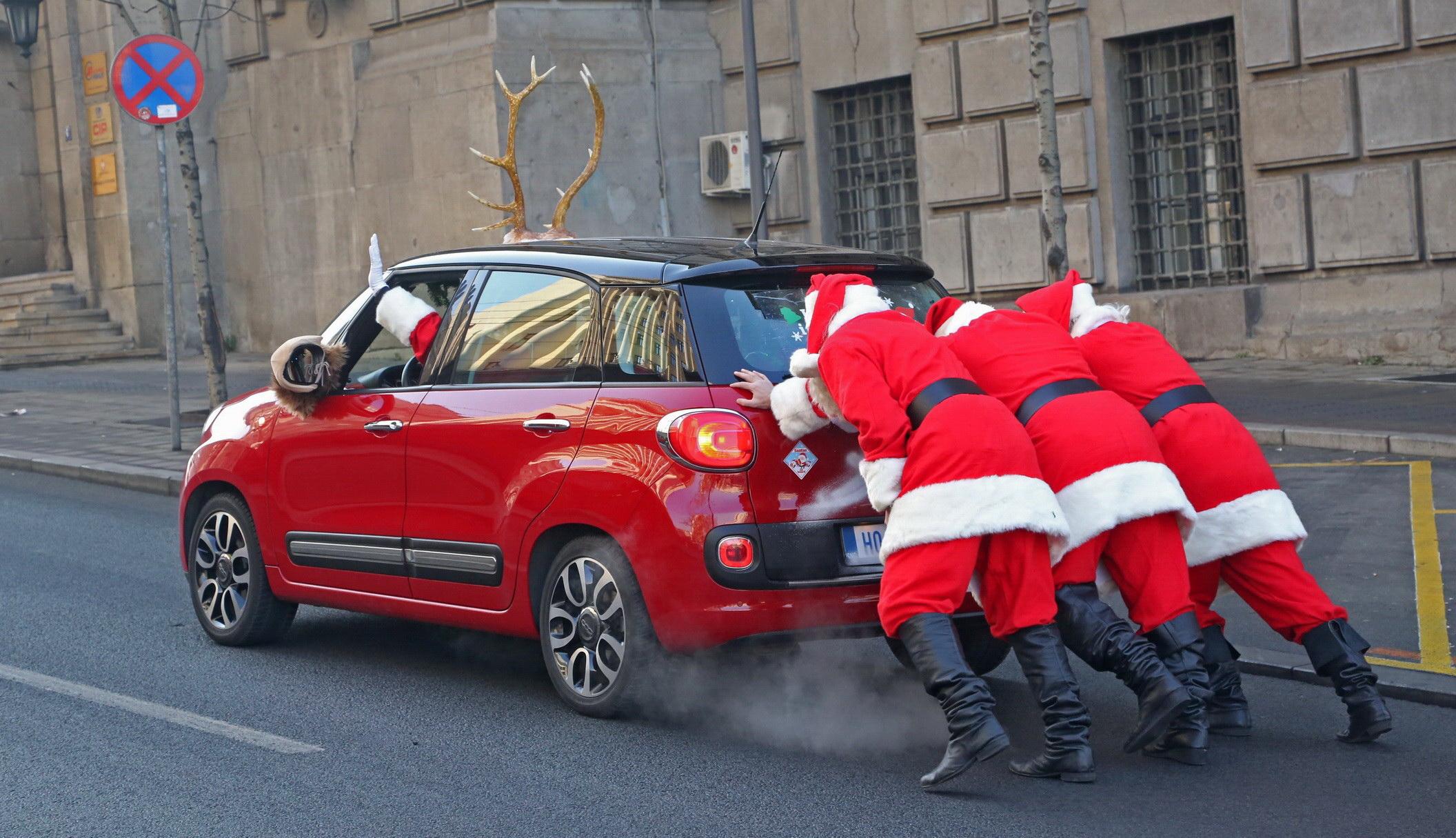Grand Deda Mrazovi u akciji