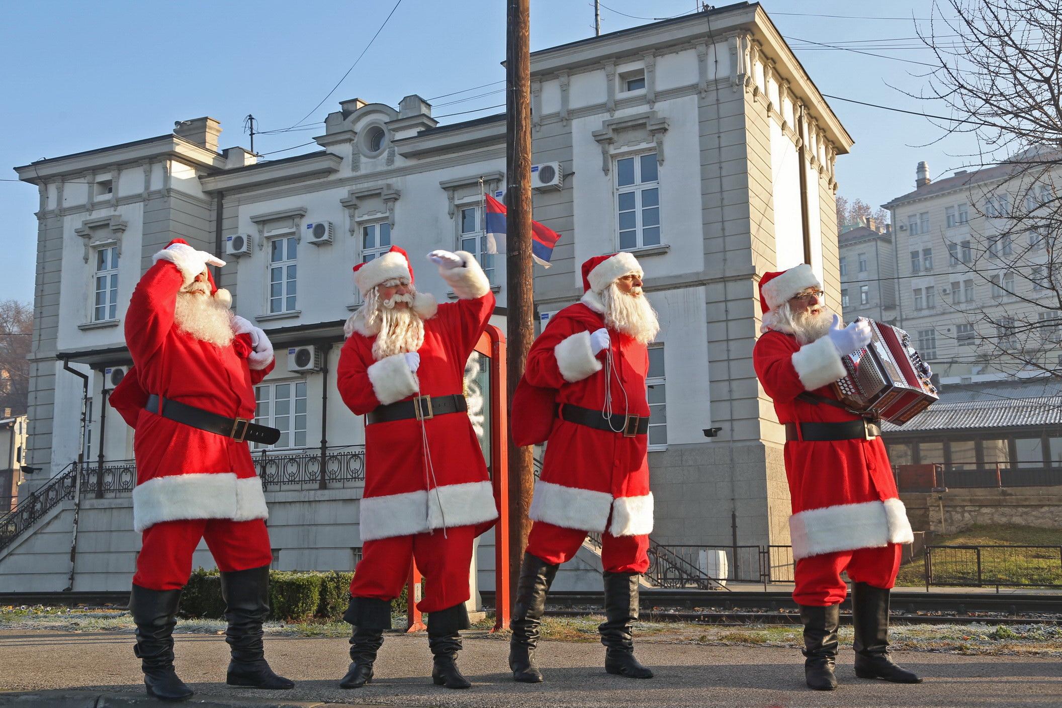 Grand Deda Mrazovi
